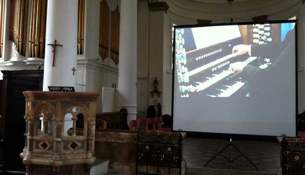 organ-screen-for-events